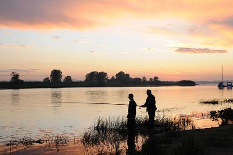 コラ半島には82本もの川が流れ、サケやマスがたくさん泳いでいる。=Lori / Legion Media撮影