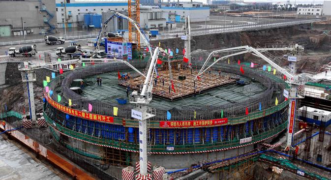中国江蘇省にある田湾原子力発電所 =AFP/East News撮影