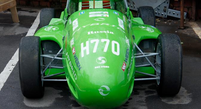 7月14日、ロシア初の電気自動車エコレースが開催され、20台のエコカーが参戦した。=ダリア・カリキナ撮影