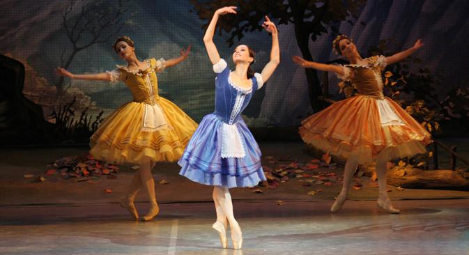 マリインスキー劇場のプリマ・バレリーナ、ディアナ・ヴィシニョーワの日本公演には、世界の一流ダンサーが集結する =コメルサント紙撮影
