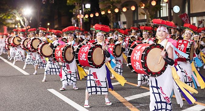 """日本の民謡バンド """"さんさ踊り"""" =Press photo撮影"""