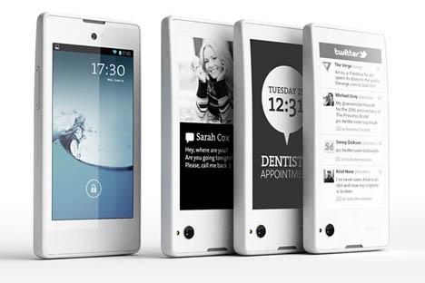 ロシア初のスマホ「ヨタ電話」(YotaPhone)が、大手小売各社と販売契約を結んだ。販売開始は11月。 =画像提供:yotaphone.com