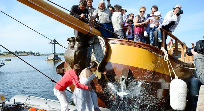 2013年の夏、ソロヴェツキー海洋博物館は、ヨット「スヴァトーイ・ピョートル(聖ペテロ)」号の進水式を行った=ロスティスラフ・ヴィレグジャーニン / モスクワ・ニュース撮影