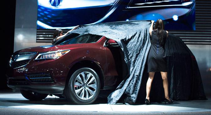 販売されるのは、市場が最も急テンポで成長しているSUV車で、中型SUVの2代目RDXと、クロスオーバーSUV車であるMDXの3代目だ=AP通信撮影