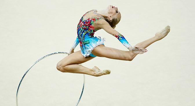15歳のクドリャフツェワがプレッシャーに打ち勝ち、個人総合で金メダルを獲得した =グレブ・ガラニチ / ロイター通信撮影