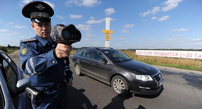 9月1日から、ドライバーに対する新たな罰金が導入されている =タス通信撮影