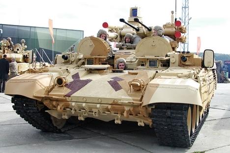 戦車支援戦闘車「テルミナトル2」=タチアナ・アンドレエヴァ撮影/ロシア新聞