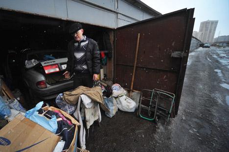 車庫の主な欠点は、換気の悪さと、下水道を設置できないこと。そして安全問題。=PhotoXPress撮影
