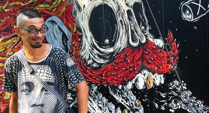 ヒフスは漫画のジャンルを確立するために、漫画家を集めて「死魚の人々」という団体を設立し、その後国際絵物語フェスティバル「コミッシヤ(KomMissiya)」(「開放された世界の日」はこの関連フェスティバル)を企画した。