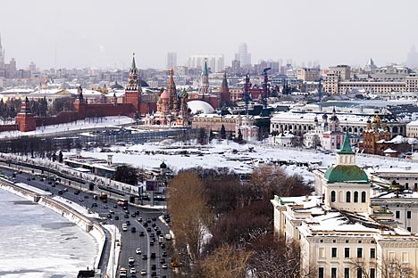 モスクワ市中心部のクレムリンに近接する「ロシア」ホテル跡地に、「ザリャジエ(Zaryad'e)」公園が建設される=Press photo撮影