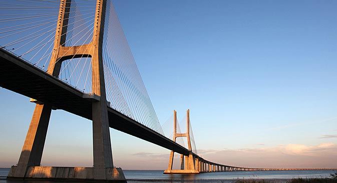 サハリンとロシア本土を結ぶ橋の建設は、早ければ2019年にも始まるかもしれない=PhotoXPress撮影