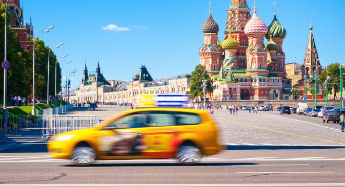 モスクワの運転手は、道路事情をどう見ているのか、首都の交通の最大のネックはどの辺にあるのか?=Shutterstock撮影