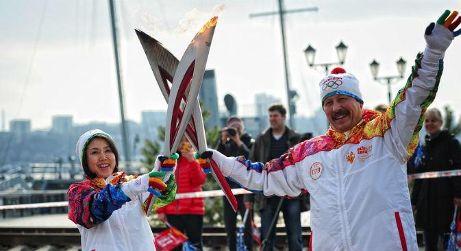 白浜千寿子さん(左側)=セルゲイ・オルローフ撮影/ロシア新聞