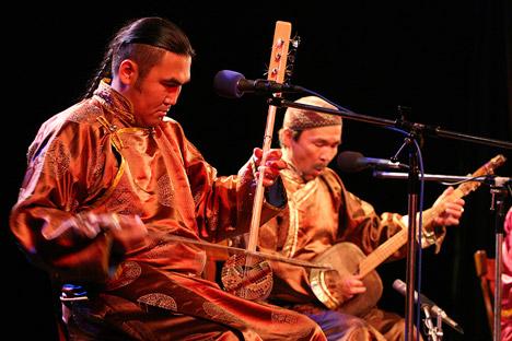 トゥバの喉歌(ホオメイ)は、ワールド・ミュージックに属している、国際的な音楽ブランドだ=Press photo撮影