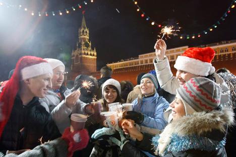 Com festas que seguem calendários juliano e gregoriano, comemorações começam em dezembro e invadem janeiro Foto: Press Photo