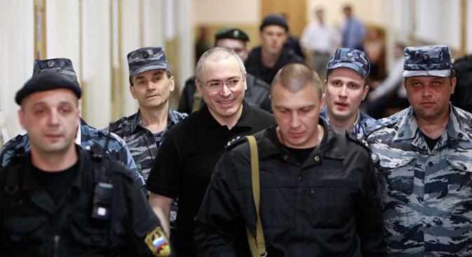 プーチン大統領は石油会社「ユコス」の元社長であるミハイル・ホドルコフスキー氏が恩赦を求める嘆願書を記したことを明らかにした=ロイター通信撮影