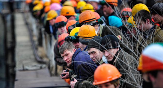 11月のデータによると、不足しているのは下働き労働者10万人、運転手6万2000人、石工3万7000人、コンクリート工3万1000人、左官、荷役、調理師、大工、裁縫師各2万8000人=タス通信撮影