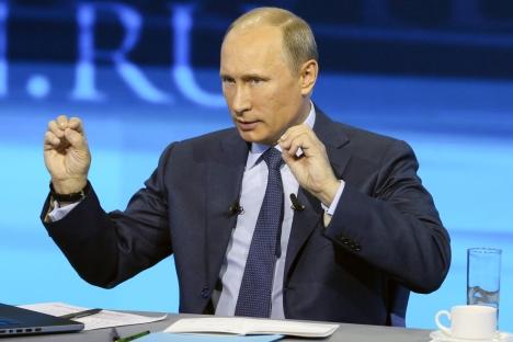 「プーチンが入室すると、誰もかもが静まり返りました」=タス通信撮影
