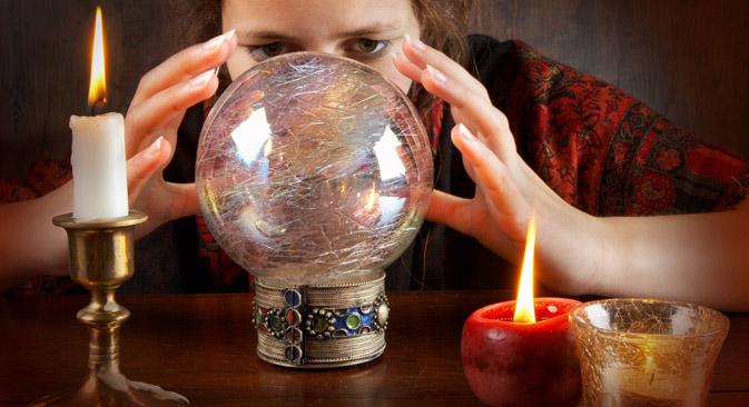 ロシア人は、外国での治療費の倍のお金を魔術や超能力のサービスに注ぎ込んでいる=PhotoXPress撮影
