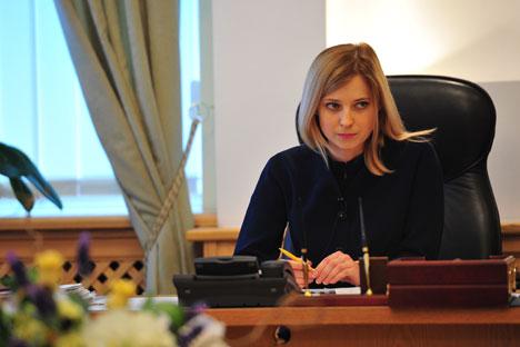 Natália Poklónskaia parece mais uma fada bondosa do que uma representante da justiça Foto: ITAR-TASS