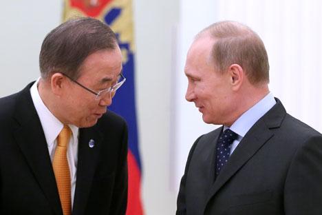 国連の潘基文(パン・ギムン)事務総長とプーチン大統領=タス通信撮影