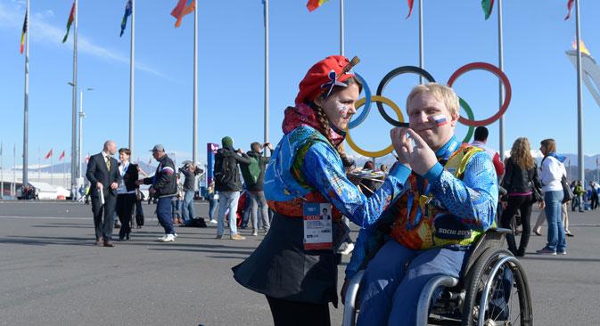 2014年ソチ冬季パラリンピックに出場する選手は、開幕に向けて調整を続けている=ロシア通信撮影
