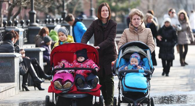 ソビャニン市長によると、モスクワの施設には思春期を迎えた子どもや障がい児など、養父母を見つけるのが難しい児童は残るものの、減少傾向は続いているという。=タス通信撮影