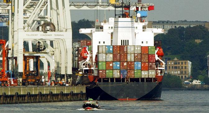 2013年のロシアの総輸出額は270億ドルである。=AP通信撮影
