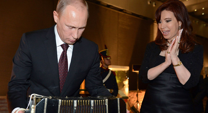 Wladimir Putin und die argentinische Präsidentin Cristina Fernandez de Kirchner während des Treffens in Buenos Aires. Foto: Reuters
