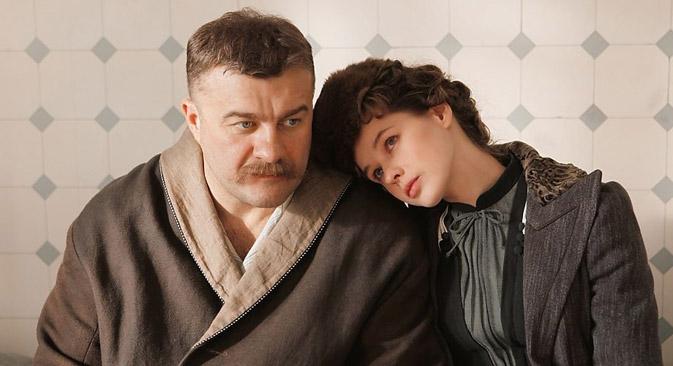 7月10日にロシアで、伝説のレスラーの伝記映画『ポドゥヌイ』が公開された。=写真提供:kinopoisk.ru