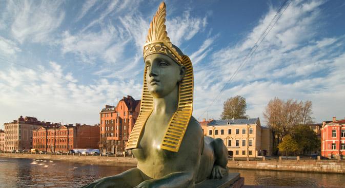 このスフィンクス像はエジプトのものではなく、クラシックなギリシャ型、女性で、動物と人間の実際の姿に近い。=Lori/Legion Media撮影