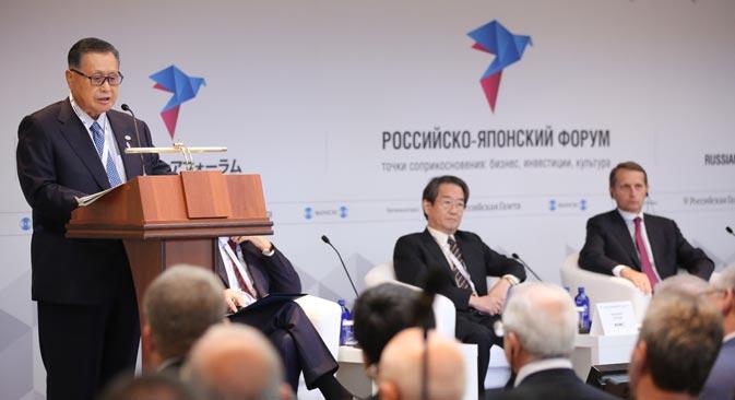 森元首相は、開幕の挨拶ですべての分野で両国が対話をすることの意義を認め、協力の重要なマイルストーンについて話した。/ アンドレイ・ルダコーフ撮影