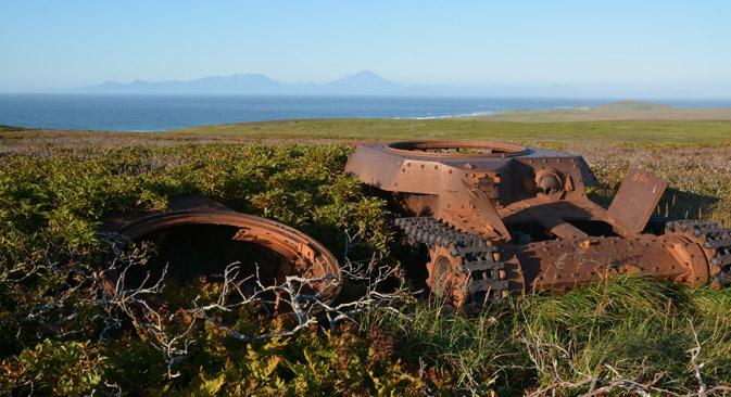 島内にあった軍事技術設備=写真は全ロシア社会運動「ロシア調査会」および沿海地域青年社会組織「調査合同体『アヴィアポイスク』」提供