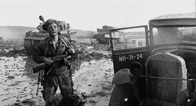 ベネチア国際映画祭で金獅子賞を受賞した最初の映画「僕の村は戦場だった」は、ソ連の映画館の朝の部でしか上映されず、児童映画扱いされていた。=写真提供:kinopoisk.ru