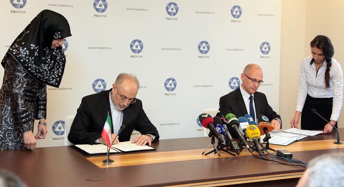 ロシアの国営原子力企業「ロスアトム」とイランは11日、イラン南西部の原子力発電所「ブシェール」にロシア製原子炉2基を建設する契約を結んだ。=Press Photo