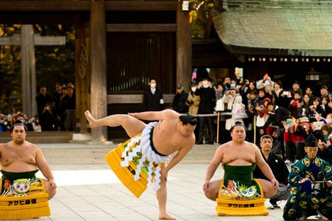 アニメ、侍、芸者、相撲力士、そしてとくに寿司。これはロシア人が日本について知っていることのごく一部だ。=ロイター通信