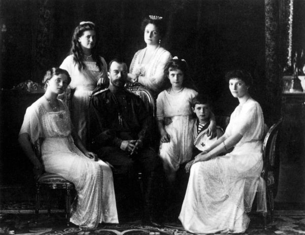 Nicolas II Romanov and his wife Alexandra with children (pictured L-R): Alexei, Maria, Tatiana, Olga, Anastasia. Source: Getty Images/Fotobank