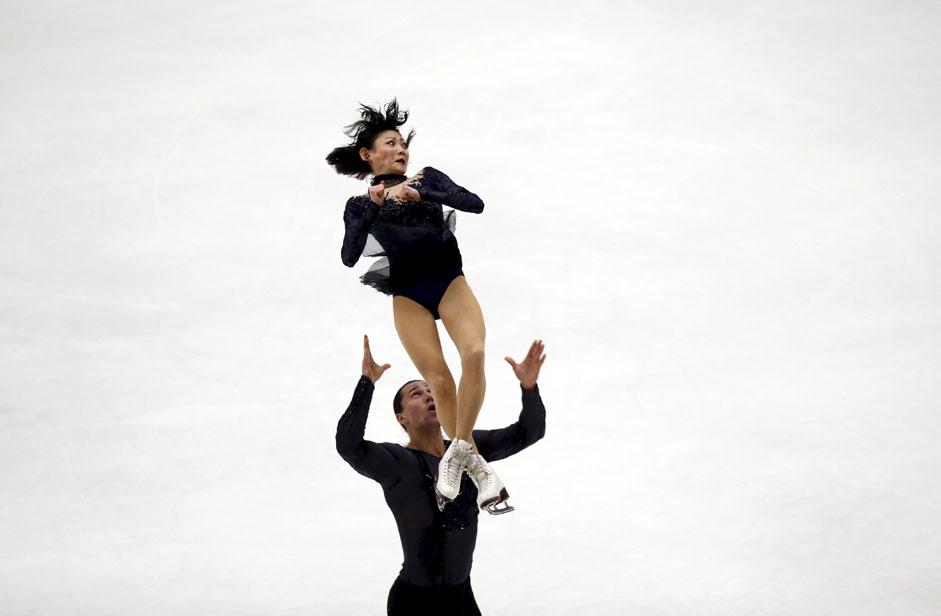 11月7日、北京。フィギュア スケートグランプリシリーズ第3戦で、川口悠子&アレクサン ドル・スミルノフ組は、合計216点で優勝。