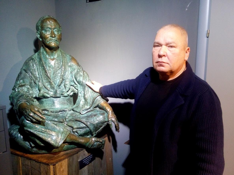 彫刻家のアレクサンドル・ルカヴィシニコフさん