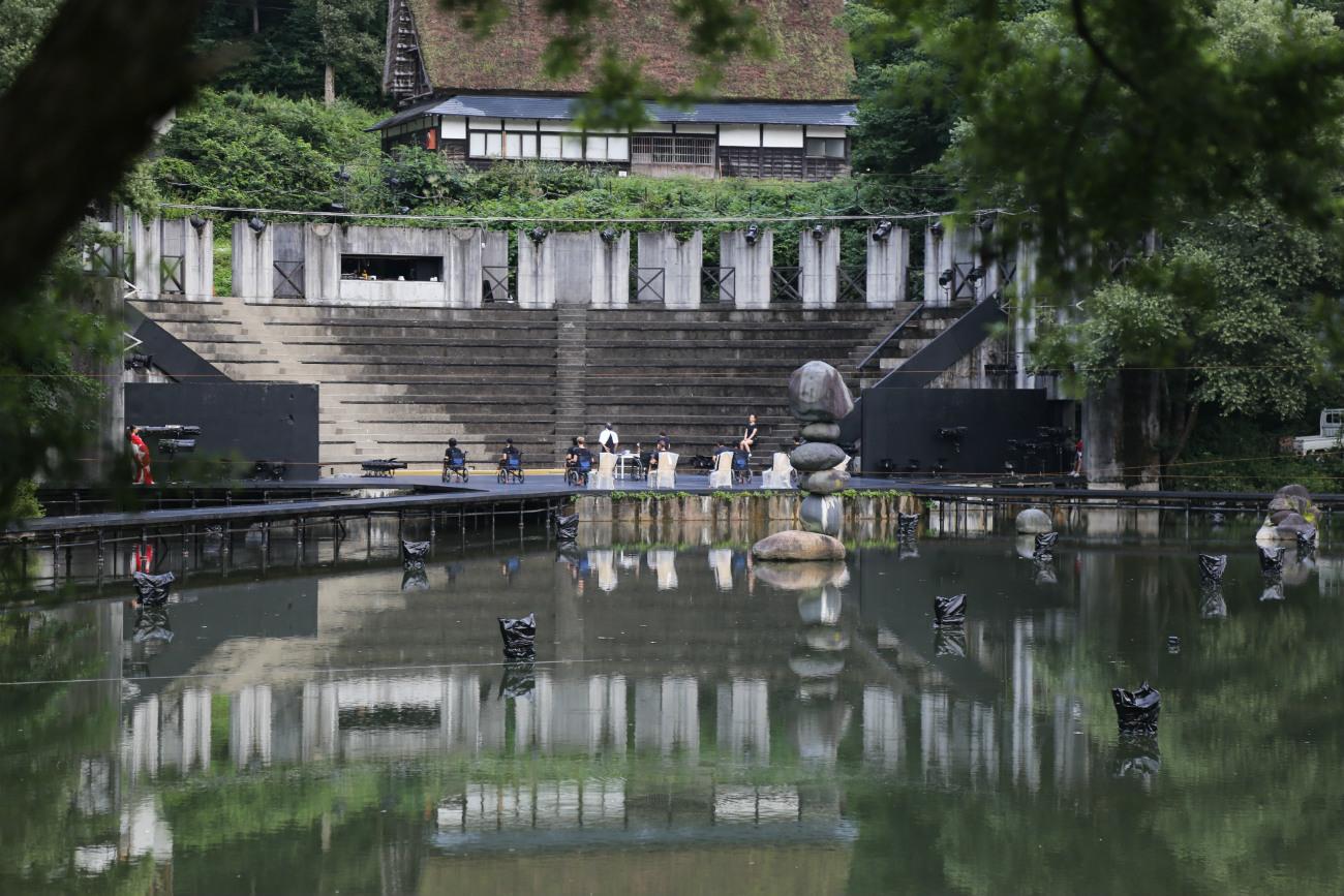 富山県利賀芸術公園の野外劇場=ナタリア・ススリナ撮影