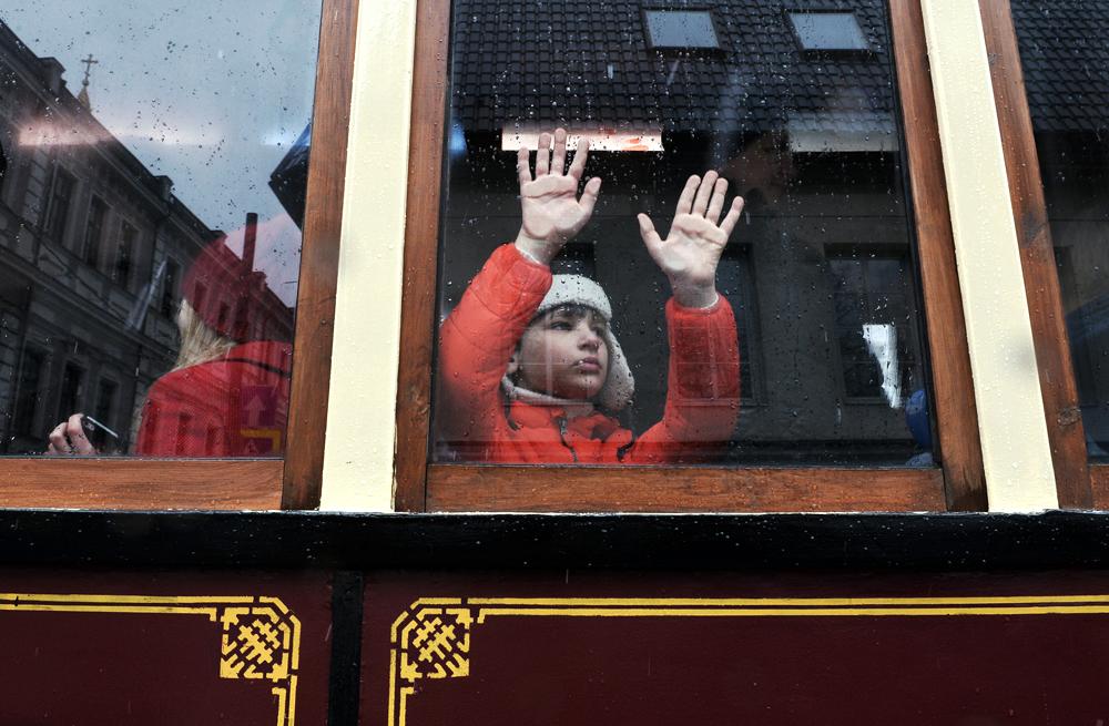 "Дете в трамвая модел ""Коломенски моторен"" на празника на московските трамваи."