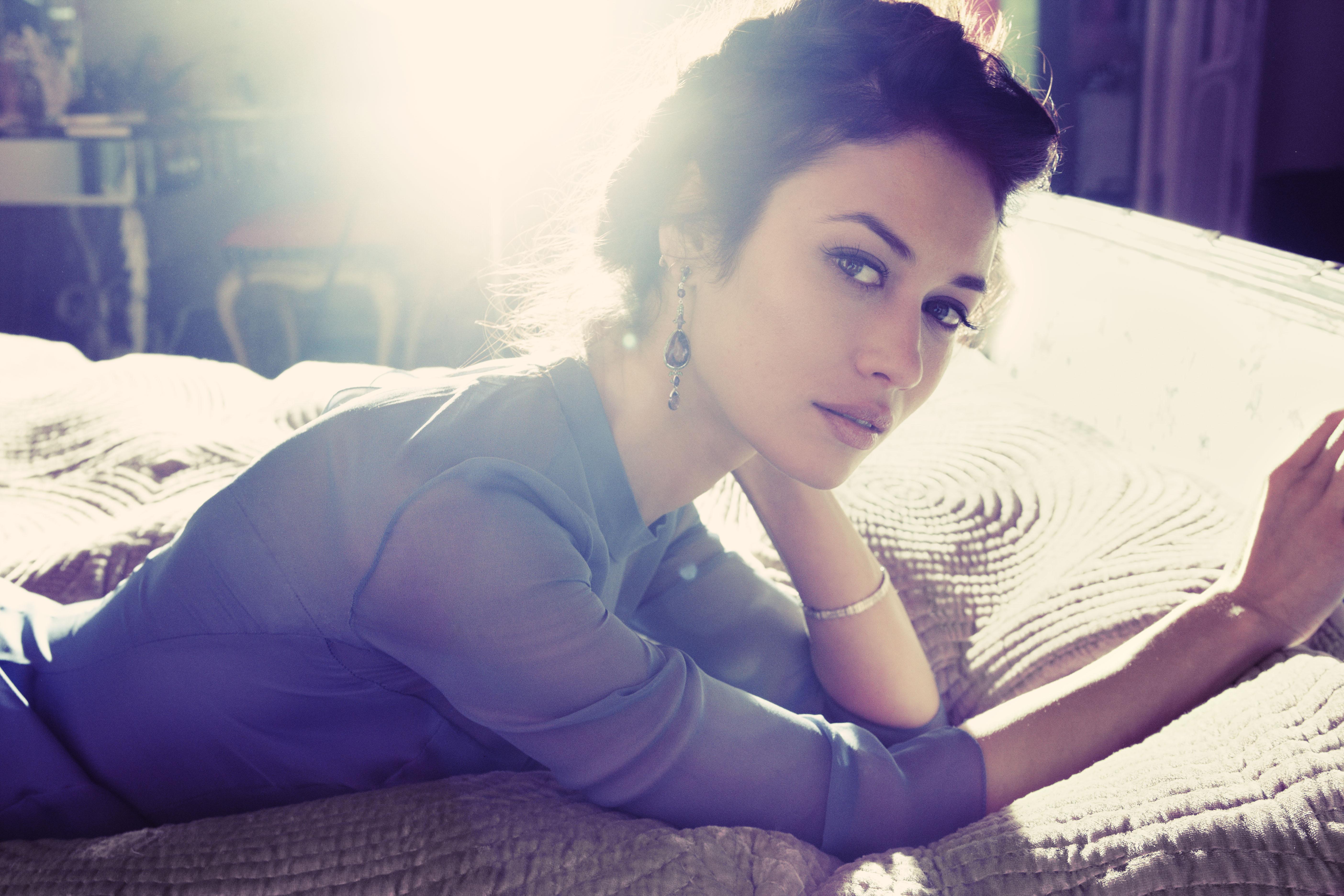 Kmalu se je pojavila na naslovnicah uglednih modnih revij (Glamour, Elle, Vogue …). Leta 2005 pa je debitirala v filmu.