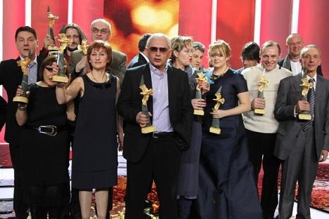 """Добитниците на филмската награда """"Златен Орел"""" за 2012. Извор: Виктор Васенин / Росијскаја газета."""