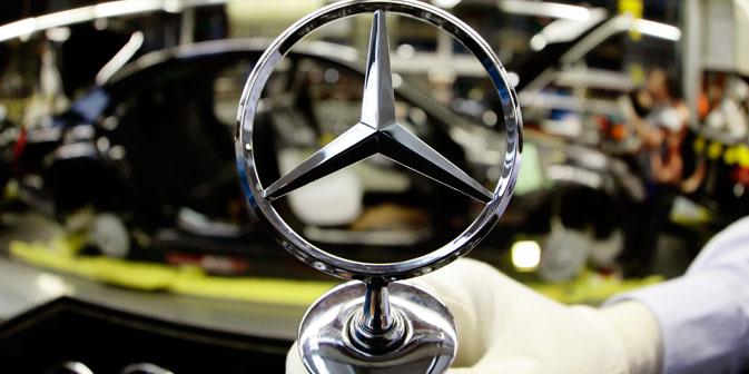 Плановите што ги направија двете страни исто така предвидуваат локализација на моторот и на другите компоненти на Mercedes-Benz Sprinter во Русија. Извор: Reuters.