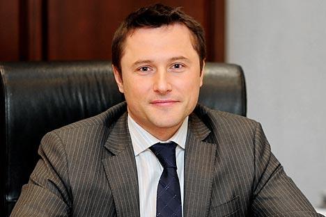 """Максим Кузјук: Сега реализираме низа проекти кои ќе ни овозможат постепено да се интегрираме во авионската индустрија и да станеме партнери на водечките светски компании. Извор: Прес-служба на холдингот """"Авио-опрема""""."""