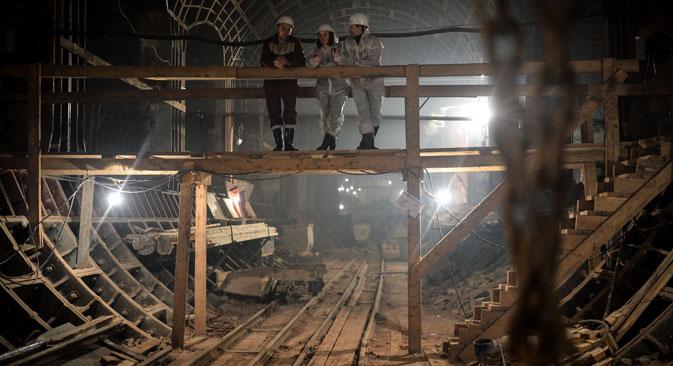 Тлото под Москва личи на огромен сунѓер. Постојат подземни градби уште од средниот век. Извор: РИА Новости.
