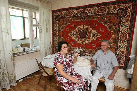 """Руските дизајнери ја обновија модата на поставување теписи на ѕидовите како интересна """"олдскул"""" традиција. Извор: PhotoXPress."""
