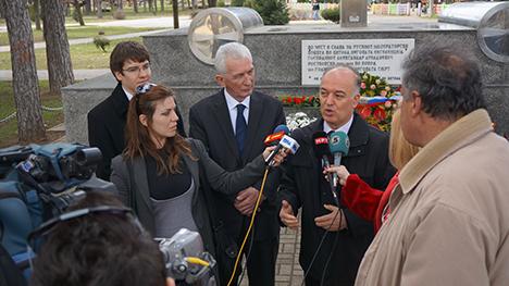 Амбасадорот на Руската Федерација Олег Николаевич Шчербак и градоначалникот на Битола Владимир Талески. Извор: Амбасадата на РФ во РМ
