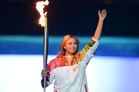 Палењето на Олимпискиот оган и огнометот се клучен дел од олимписката церемонија. Извор: РИА Новости
