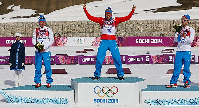 Во маратонот во крос-кантри Русите го освоија целиот пиедестал. Извор: Ројтерс